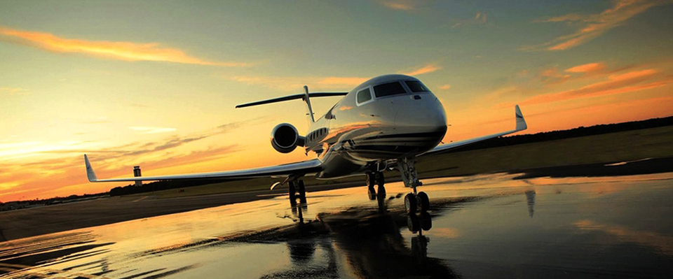private_jet-taking-off-at-sunset-2